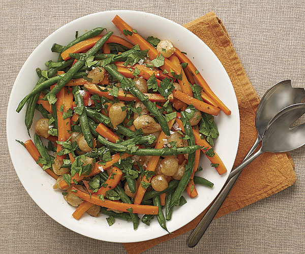 051138074-01-carrots-green-beans-onions-recipe_xlg